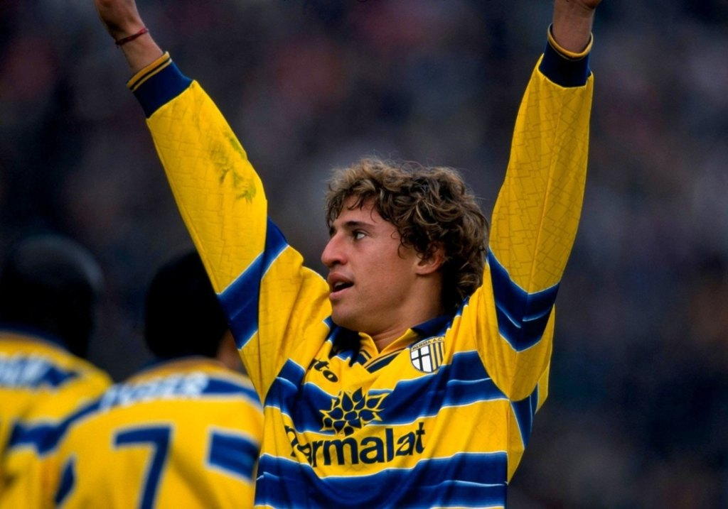 Celebrating the 10 greatest goals of Hernan Crespo's Italian ...